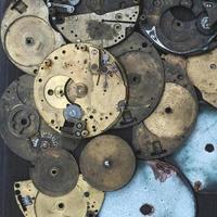 vecchio motore per orologi da tasca foto