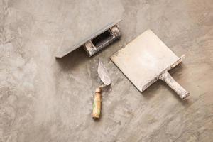 strumenti di costruzione per lavori concreti foto