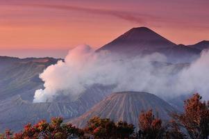 vulcani del parco nazionale di bromo, java, indonesia foto