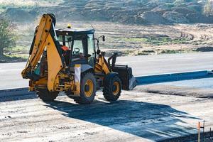 escavatore rimanere sulla strada