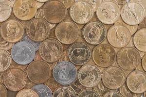 noi monete sullo sfondo foto