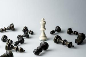 figura di scacchi, strategia del concetto di business, leadership, squadra e successo foto