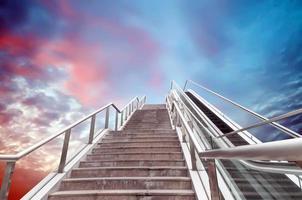scala mobile verso il cielo foto