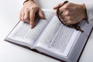 concetto di religione e preghiera