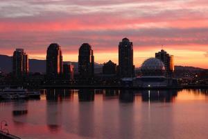 condomini di falso insenatura prima luce, Vancouver foto
