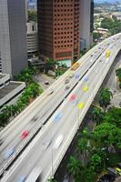 autostrada trafficata, singapore foto