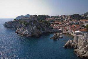 paesaggio della città murata di dubrovnik, croazia foto