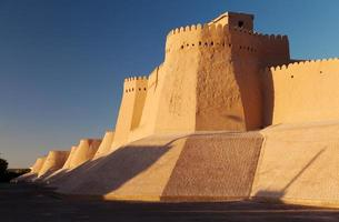 wall of itchan kala - khiva - uzbekistan foto