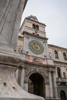 la torre dell'orologio foto