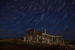 sentieri notturni fotografia notturna edificio abbandonato foto