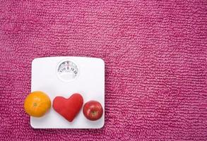 squama il cuore di frutta a sinistra foto