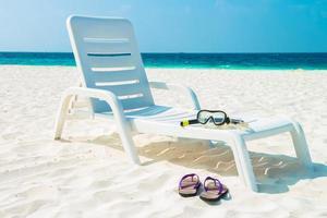 spiaggia di sabbia e onde dell'oceano, atollo di South Male. Maldive