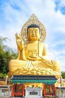 Statua di Buddha, Jeju, Corea foto