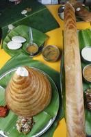 ghee arrosto dosa - un pancake dell'India meridionale foto