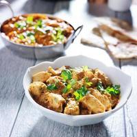 curry di pollo al burro indiano foto