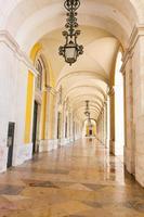 Piazza del commercio a Lisbona, Portogallo foto