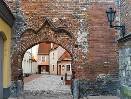 vecchia città medievale nella città di riga, Lettonia foto