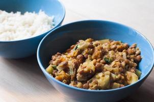 ciotola di curry di lenticchie foto