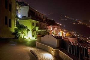 città del sud italiano, positano, troiano foto