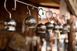 vecchia campana di metallo