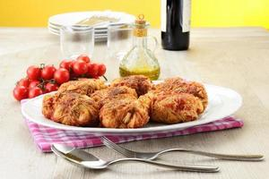 gnocchi ripieni di cavolo con salsa di pomodoro foto