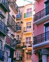 vista degli edifici di Lisbona foto