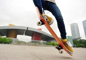 donna skateboard foto