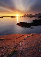 tramonto sulla costa norvegese, senja foto