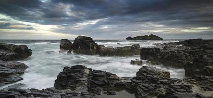 bellissimo paesaggio alba del faro godrevy sulla Cornovaglia co foto