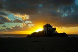 cappella senhor da pedra, miramar, portogallo foto