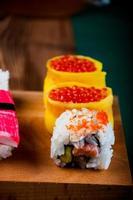 sushi orientale fresco e gustoso, tema giapponese