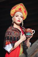 ragazza russa in un kokoshnik