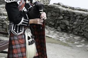 borsa da pipa e kilt scozzese