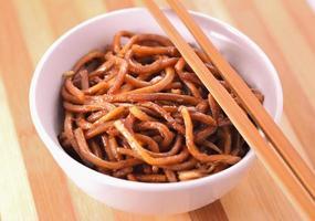 Noodles fritti foto