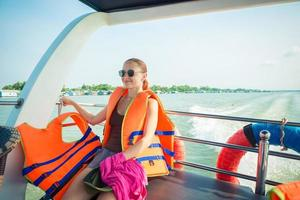 turista alla crociera nel delta del Mekong foto