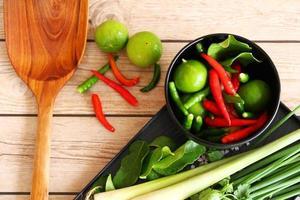 erbe e spezie tailandesi della minestra dell'igname di tom.