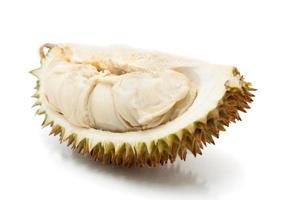 frutta tropicale asiatica conosciuta come durian, su sfondo bianco foto