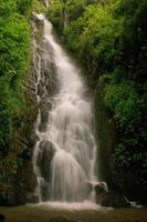 Simangande cade sull'isola di Samosir, Sumatra, Indonesia foto