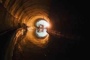 costruzione del tunnel della metropolitana foto