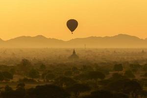 alba a Bagan foto