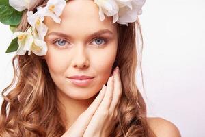 giovane donna attraente