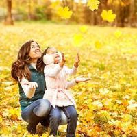 madre e figlia si divertono