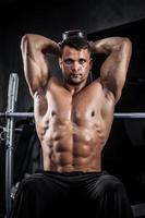 fitness con manubri foto