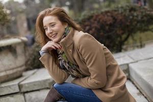 donna giovane capelli rossi foto