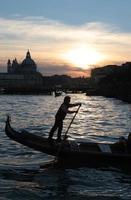 gondoliere a venezia foto