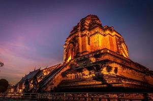 wat chedi luang chiang mai thailand foto