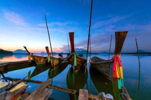tramonto a phangnga a sud della Tailandia. foto