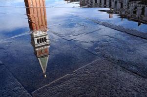 campanile di san marco in piazza san marco, venezia foto