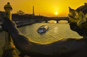 Parigi al night-tour eiffel pont alexandre iii bridge