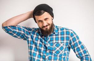 uomo barbuto foto